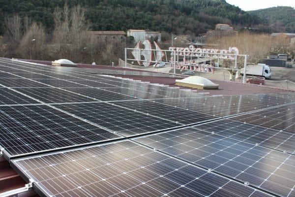 Panneaux solaires du Carrefour Bessèges.