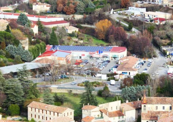 Panneaux photovoltaïques du Carrefour Les Vans.