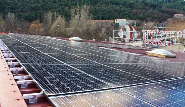 Panneaux solaires sur le Super U de Bessege.
